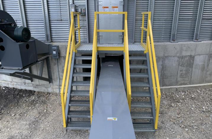 Access stairs and platform to grain storage bin